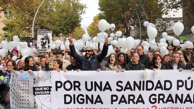 Miles de personas secundan en Granada, Huelva, Málaga y Sevilla las marchas por la sanidad